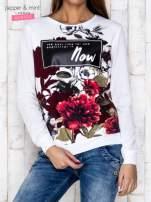 Biała bluza z motywem kwiatowym i napisem                                  zdj.                                  1
