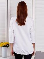 Biała bluza z motywem motyli                                  zdj.                                  2