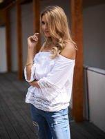 Biała bluzka hiszpanka z koronkowym wykończeniem                                  zdj.                                  3