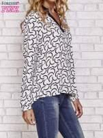 Biała koszula w geometryczne wzory                                  zdj.                                  3