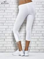 Białe legginsy sportowe 7/8 z wiązaniem