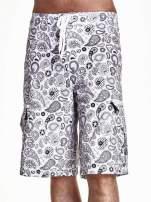 Białe szorty męskie wzór paisley