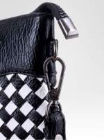 Biało-czarna pleciona kopertówka z kokardą                                  zdj.                                  4