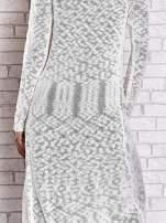 Beżowy ażurowany sweter z kieszeniami                                                                          zdj.                                                                         7