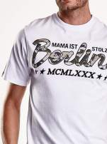 Biały t-shirt męski z nadrukiem moro                                                                          zdj.                                                                         7