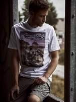 Biały t-shirt męski ze zdjęciem miasta                                  zdj.                                  9