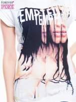 Biały t-shirt z blogerskim nadrukiem twarzy