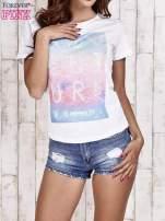 Biały t-shirt z dżetami                                  zdj.                                  1
