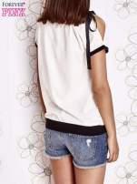 Biały t-shirt z kokardą                                                                          zdj.                                                                         4