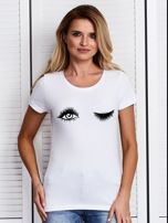 Biały t-shirt z motywem oka                                  zdj.                                  1