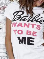 Biały t-shirt z napisem BARBIE WANTS TO BE ME                                  zdj.                                  5