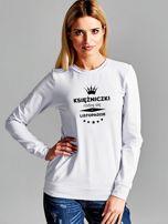 Bluza damska z nadrukiem tekstowym KSIĘŻNICZKA jasnoszara                                  zdj.                                  1