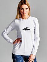 Bluza damska z nadrukiem znaku zodiaku RYBY jasnoszara                                  zdj.                                  1