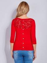 Bluzka czerwona z guzikami i koronką z tyłu                                  zdj.                                  3