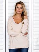 Bluzka damska z kontrastową lamówką jasnobeżowa                                  zdj.                                  1