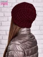 Bordowa czapka z włóczki o grubym splocie                                  zdj.                                  2