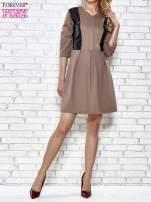 Granatowa rozkloszowana sukienka ze skórzanymi modułami                                                                          zdj.                                                                         1