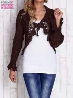 Brązowy sweter o szerokim splocie z wiązaniem                                                                          zdj.                                                                         1