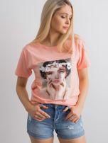 Brzoskwiniowy t-shirt z aplikacją 3D                                  zdj.                                  1