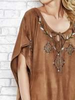 Camelowa zamszowa bluzka z haftem w stylu boho                                                                          zdj.                                                                         5