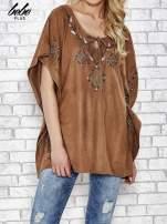 Camelowa zamszowa bluzka z haftem w stylu boho                                                                          zdj.                                                                         1
