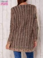 Ciemnobeżowy wełniany sweter z kieszeniami                                  zdj.                                  4