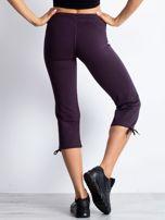 Ciemnofioletowe spodnie dresowe capri z aplikacją z dżetów                                                                          zdj.                                                                         5
