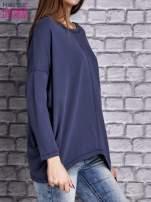 Ciemnoniebieska bluzka z rękawem nietoperz                                  zdj.                                  3