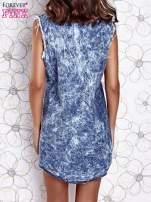 Ciemnoniebieska dekatyzowana sukienka jeansowa o kroju tuniki                                  zdj.                                  3