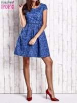 Ciemnoniebieska denimowa sukienka z wycięciem na plecach                                  zdj.                                  7