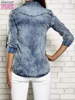 Ciemnoniebieska jeansowa koszula acid wash                                                                          zdj.                                                                         5