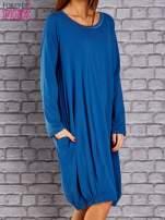 Ciemnoniebieska sukienka oversize ze ściągaczem na dole                                   zdj.                                  3