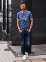 Ciemnoniebieski t-shirt męski z napisem BROOKLYN ATHLETIC UNIVERSITY                                                                          zdj.                                                                         6