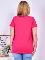 Ciemnoróżowy t-shirt z napisem z perełek PLUS SIZE                                  zdj.                                  2