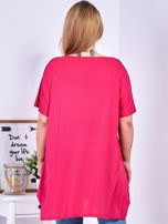 Ciemnoróżowy t-shirt  z roślinnym printem PLUS SIZE                                  zdj.                                  2