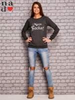 Ciemnoszara bluza z napisem MAM FOCHA                                  zdj.                                  2