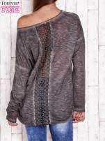 Ciemnoszara dekatyzowana bluzka z koronkowymi wstawkami                                                                          zdj.                                                                         4