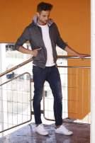 Ciemnoszara melanżowa bluza męska z zasuwanymi kieszeniami                                  zdj.                                  8