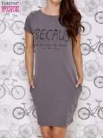 Ciemnoszara sukienka dresowa z napisem BECAUSE                                  zdj.                                  1