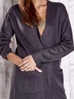 Ciemnoszary otwarty sweter z kieszeniami z przodu