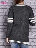 Ciemnoszary sweter z kieszeniami zapinany na zatrzaski                                   zdj.                                  4