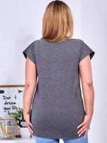 Ciemnoszary t-shirt z roślinnym motywem PLUS SIZE                                  zdj.                                  2