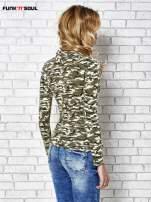 Ciemnozielona bluzka z motywem moro                                  zdj.                                  4