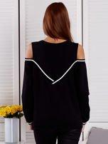 Czarna bluza z ukośnymi ściągaczami                                  zdj.                                  2