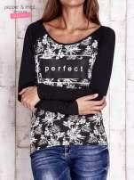 Czarna bluzka z napisem PERFECT i egzotycznymi motywami                                  zdj.                                  1
