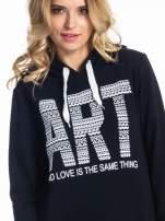 Czarna damska bluza z kapturem i napisem ART