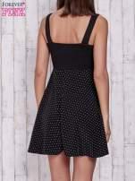 Czarna sukienka retro w groszki na ramiączkach                                  zdj.                                  2
