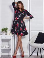 Czarna sukienka w kwiaty z wycięciem na plecach                                  zdj.                                  4