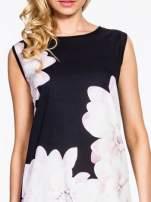 Czarna sukienka z dużym nadrukiem kwiatowym                                  zdj.                                  5