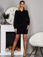 Czarna sukienka z żabotem                                   zdj.                                  4
